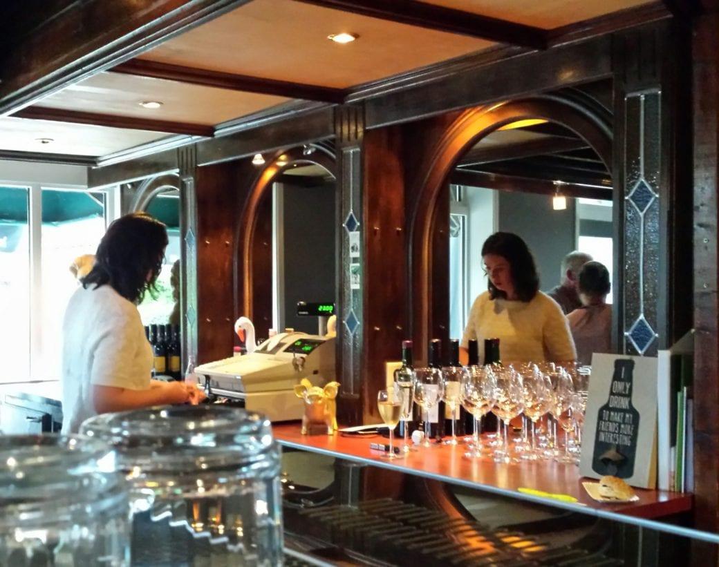 10 opening cafe