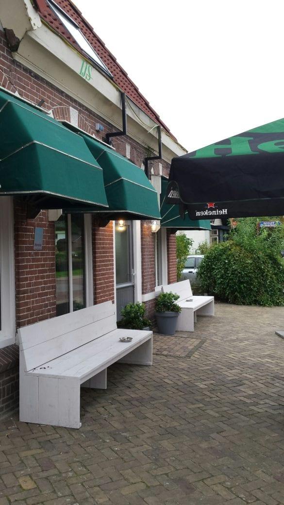 9 opening cafe
