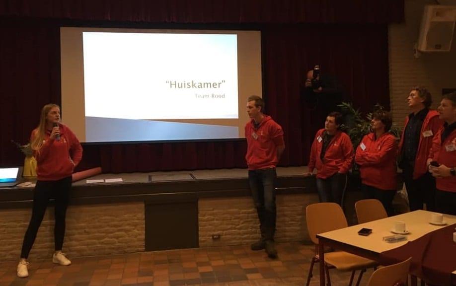 Hackathon team rood huiskamer